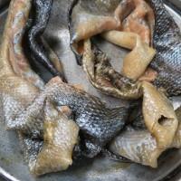 鮭の皮の味噌漬け