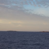 2016年小笠原村硫黄島慰霊墓参(393)小笠原丸で硫黄島を周回(104)監獄岩と釜岩