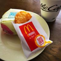 朝ご飯は、ソーセージマフィンのセット