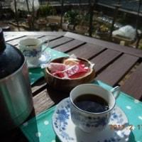 濃いめのコーヒーを飲みながらも・・・!