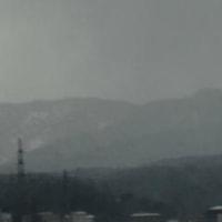 病院を梯子の道中で、お山を撮りました。