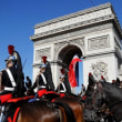 ドイツ発: Bastille Day celebrations in Paris