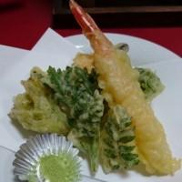 採れたての山菜を天ぷらに!