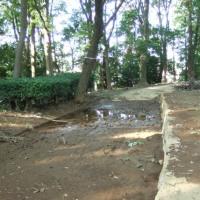 永楽台近隣公園内南側の遊歩道の排水整備を