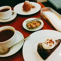 『カフェ トゥジュール』で「おからのガトーショコラ」
