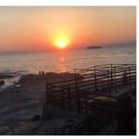 奇跡の様な夕日を眺めたから。