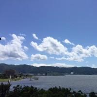 季節は初夏へ・・・光は真夏、風は真冬?の諏訪湖畔