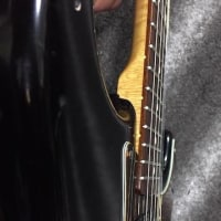 Fenderのネック嫌いとか言ってたくせに。
