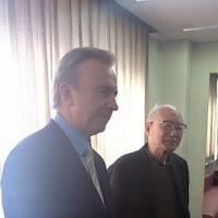 内部被曝に警鐘を鳴らし続けた肥田舜太郎医師が100歳で逝去、5年前のバンダジェフスキー博士との写真。