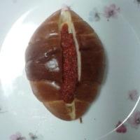 熱犬ホットドックの巻きミにトマトケチャップはこんな感じに…
