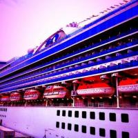 天保山岸壁へ→初入港の客船「ゴールデン・プリンセス」号を見物