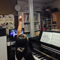 ピアノの鍵盤と楽譜が見えやすくなりました