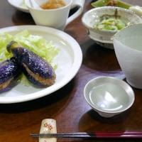 茄子のはさみ揚げとコンビーフ丼