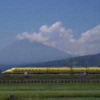 今日の富士山 ドクターイエローと。