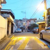 韓国旅行 3日目 また、オヘヨンロケ地 自転車で転んだ後、自転車を担いで上がった階段に向かう