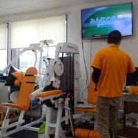 腹直筋鍛えるマシン、一期一会リハ特化型通所施設