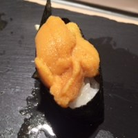 sushi    bar    にぎりて