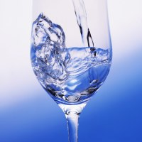 ダイエットの成功には、食事中の水分の取り方が重要!