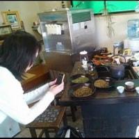 アロマセラピストがご来店・・・加賀棒茶の香りを気に入っていただきました。