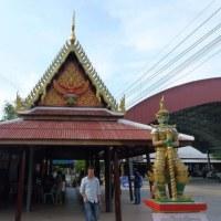 第三寺 ワットバンケーヤイにヤックを見た