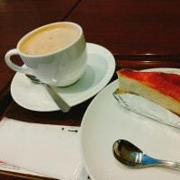 『上島珈琲店』の黒糖ミルク珈琲とミルクレープ