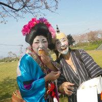 桜 お花見珍道中~ 仮装したスタッフ 登場~!!