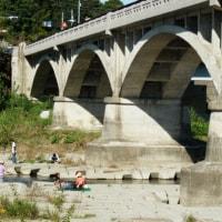 秋川を多摩川の合流点 都立滝山公園 (あきる野市・八王子市)