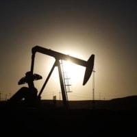 原油が一時10%急伸、OPEC減産合意でブレント清算値50ドル台・・・談合で高くなっている