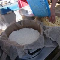 サツマイモ掘りとローストビーフ作り~里山体験プログラム~