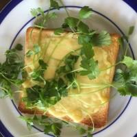 サラダセロリーのチーズトースト
