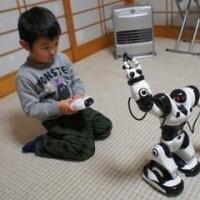 孫へのクリスマスプレゼントは二足歩行のロボット