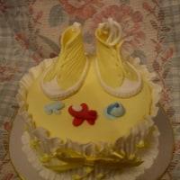 9月 レッスン チュールワークのベビーシューズ、スモッキングのケーキ、スニーカー
