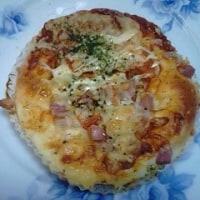 フレッシュトマトとベーコンのピザで深夜食して明日の準備なんだね:D