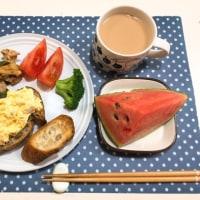 卵マヨのオープンサンドで朝ごはん