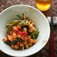 万願寺とうがらしとひよこ豆のクミン風味