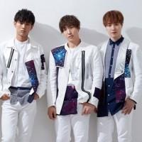今日 5/30はCODE-V日本デビュー5周年です♪