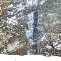松本市の氷瀑 スコボシ瀧(砂飜瀧)