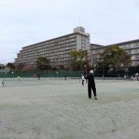 今日は午後から3時間の「テニス」です