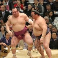 「稀勢の里が宝富士との全勝対決に完勝し6連勝…58年以降新横綱6人目」とのニュースっす。