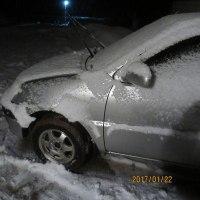 夜になって雪が