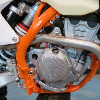 2017 KTM 250 EXC-F 6DAYS のエキパイにヒートガードを付けてみた!