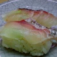 旬の味は最高 !!  真鯛の握り寿司