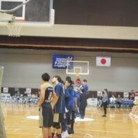 バスケットボールの試合を観戦した。