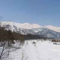 松川の橋からの白馬三山