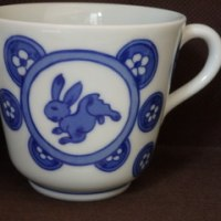 うさぎの湯呑みとコーヒーカップ