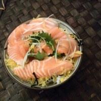和風バルサミコドレッシングと100円サラダ
