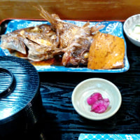 ちらし寿司はその日のネタを全て入れるそうです・・・・石なぐ(松山)