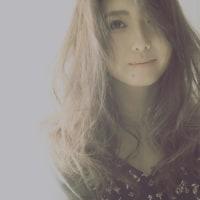 髪の毛を優しく。
