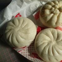 豆腐パンと焼き肉まん