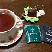 海外からのお土産の紅茶で「御座候」(^^)